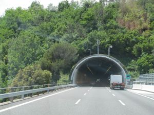 C1_Tunnel
