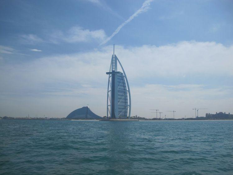 Dubai_H2e