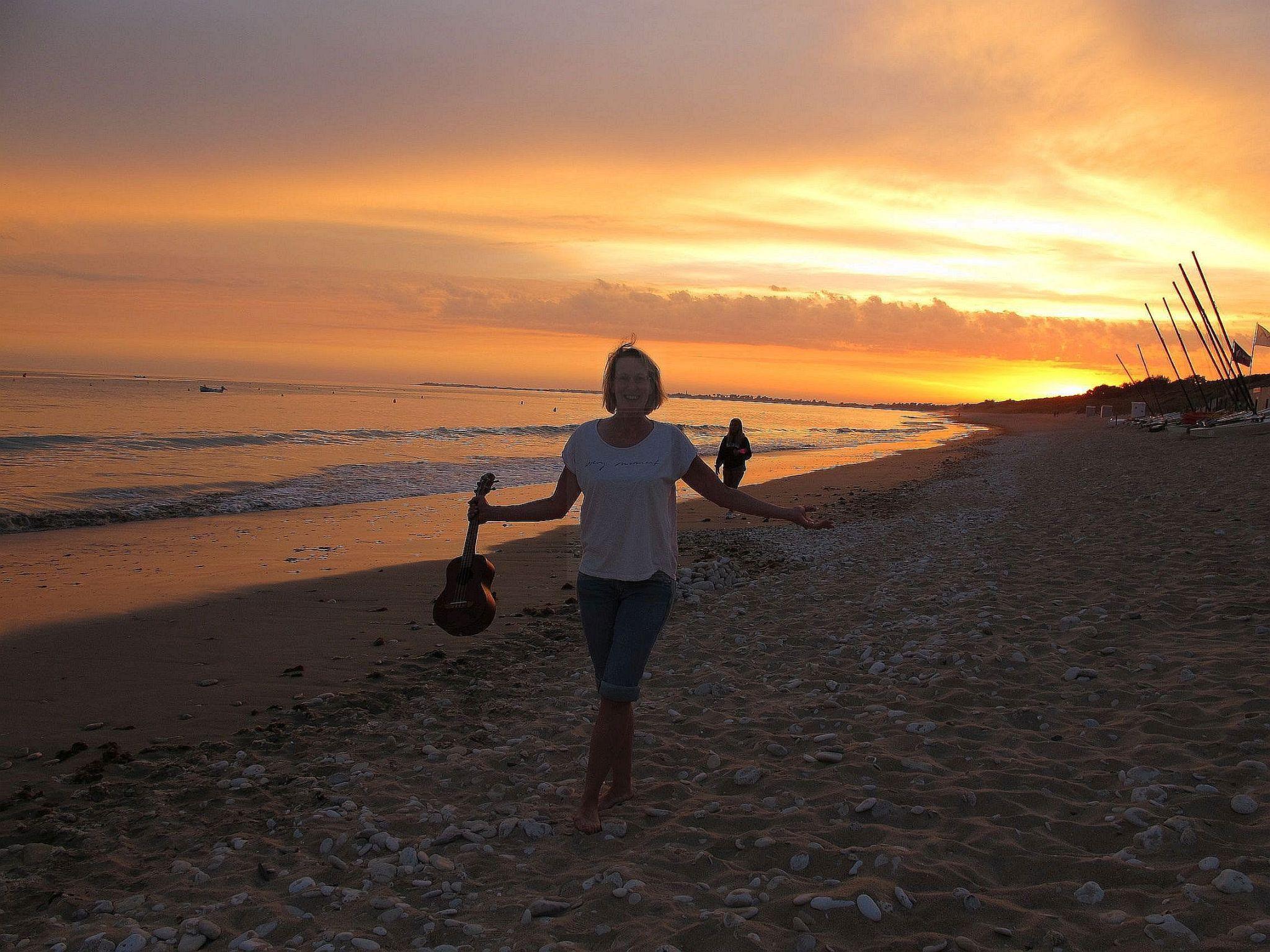 #travelhector #reisebritta #iledere #ukulele #vanlife